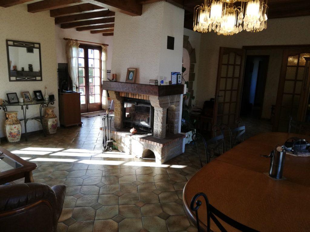 Maison à vendre 7 170m2 à Rilhac-Rancon vignette-2