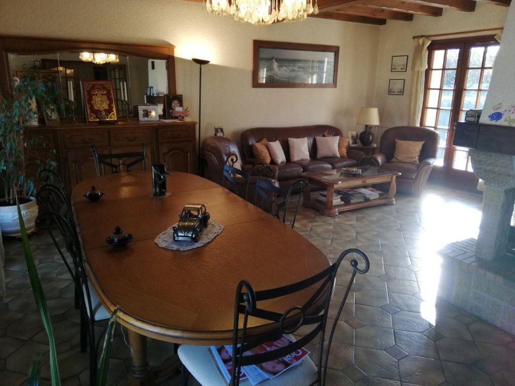 Maison à vendre 7 170m2 à Rilhac-Rancon vignette-3