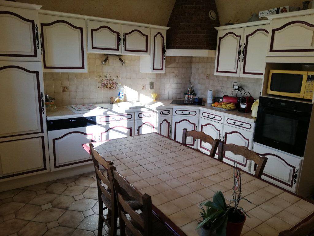 Maison à vendre 7 170m2 à Rilhac-Rancon vignette-4