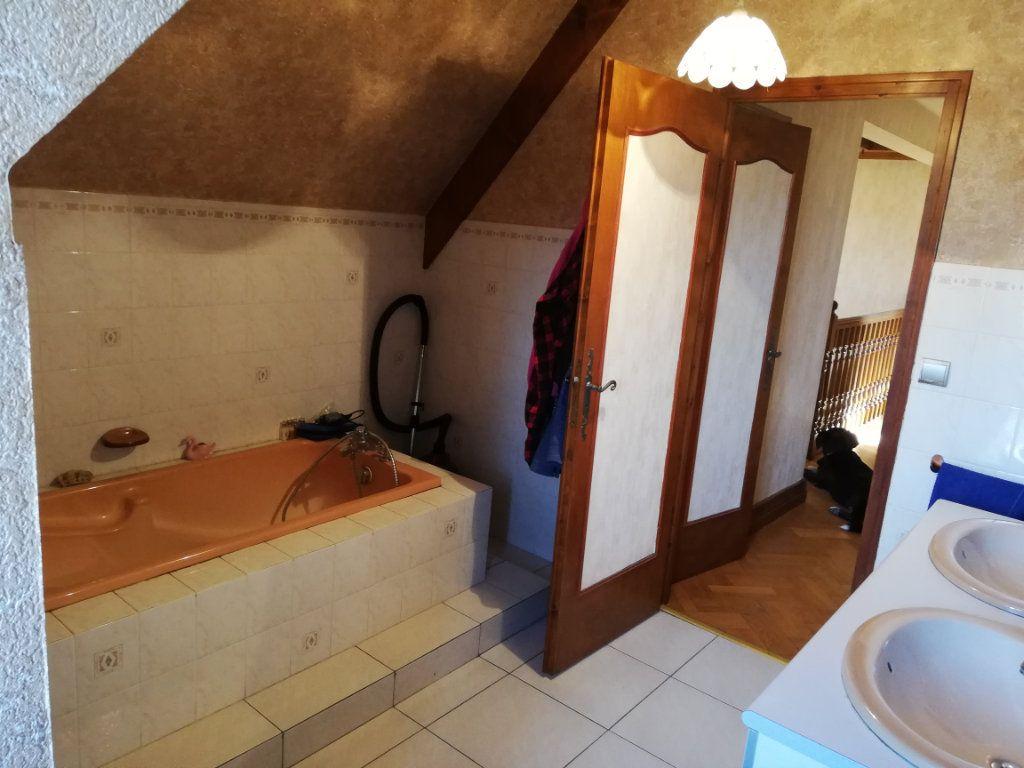 Maison à vendre 7 170m2 à Rilhac-Rancon vignette-9