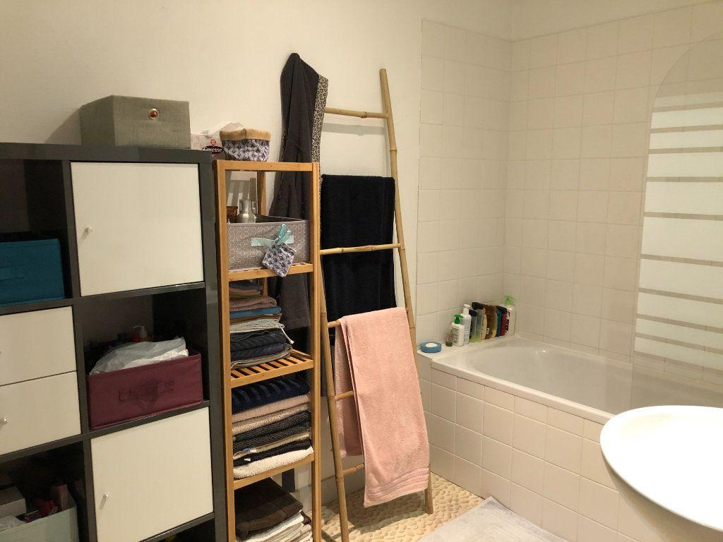 Appartement à louer 3 88.42m2 à Limoges vignette-6