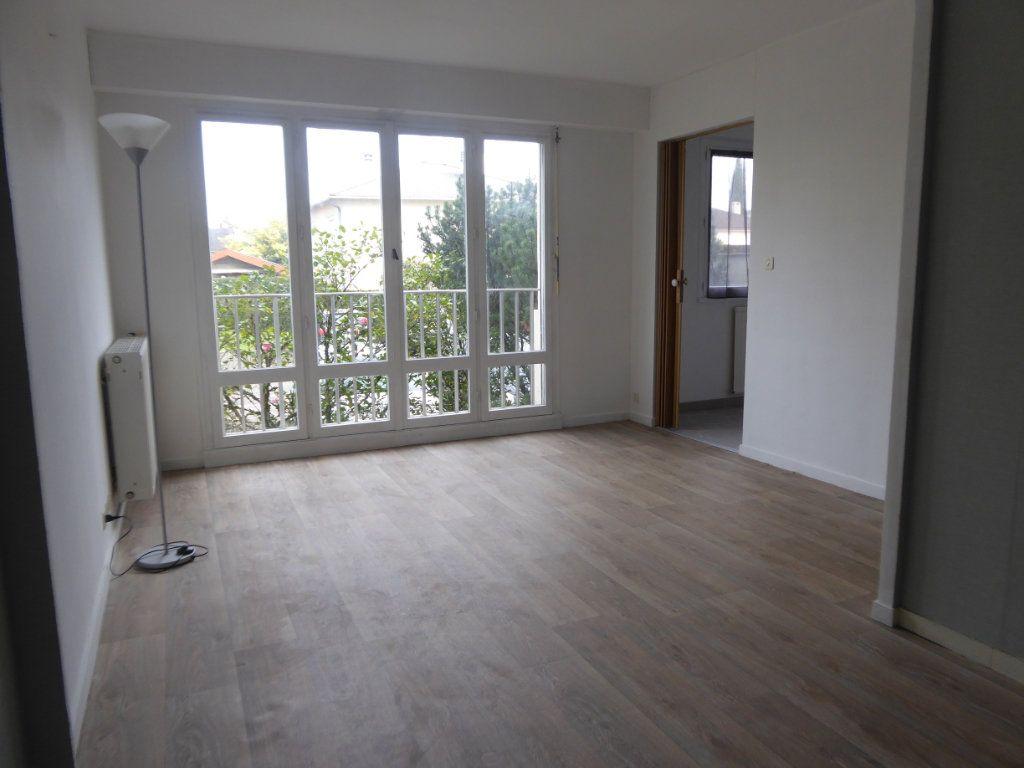 Appartement à louer 1 34.15m2 à Limoges vignette-1