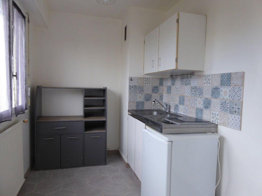 Appartement à louer 1 34.15m2 à Limoges vignette-2