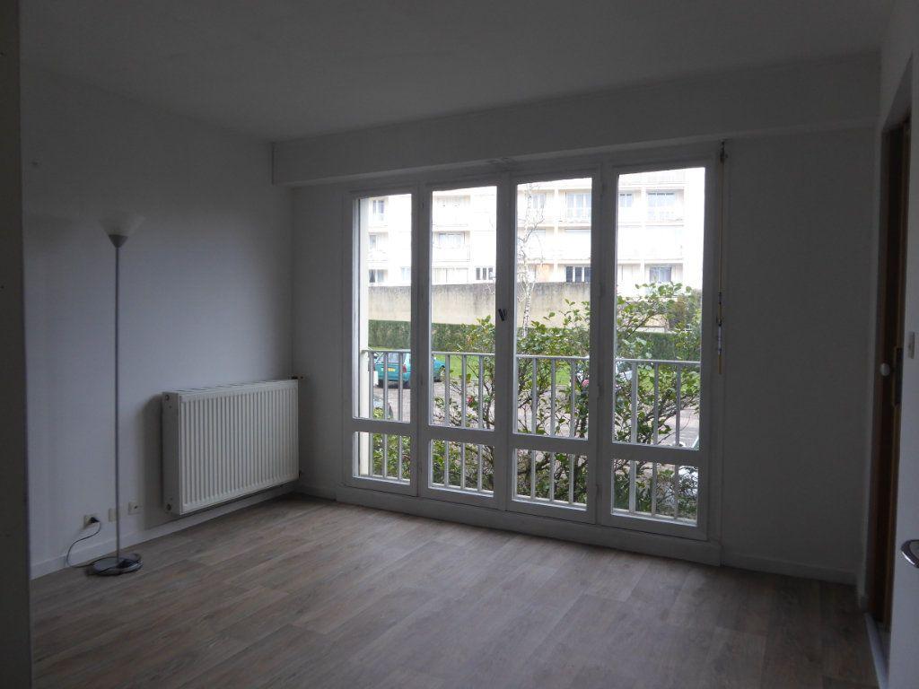 Appartement à louer 1 34.15m2 à Limoges vignette-3