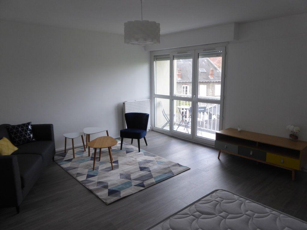 Appartement à louer 1 39.82m2 à Limoges vignette-3
