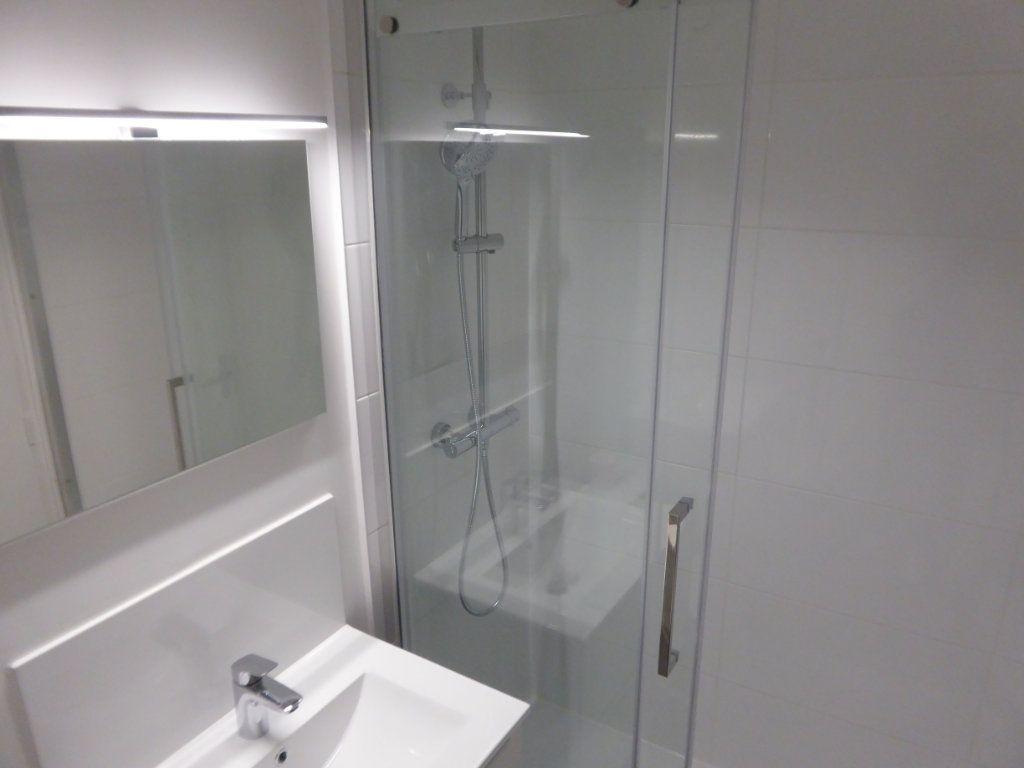 Appartement à louer 1 39.82m2 à Limoges vignette-4