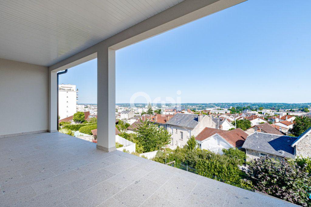 Maison à vendre 7 180m2 à Limoges vignette-2