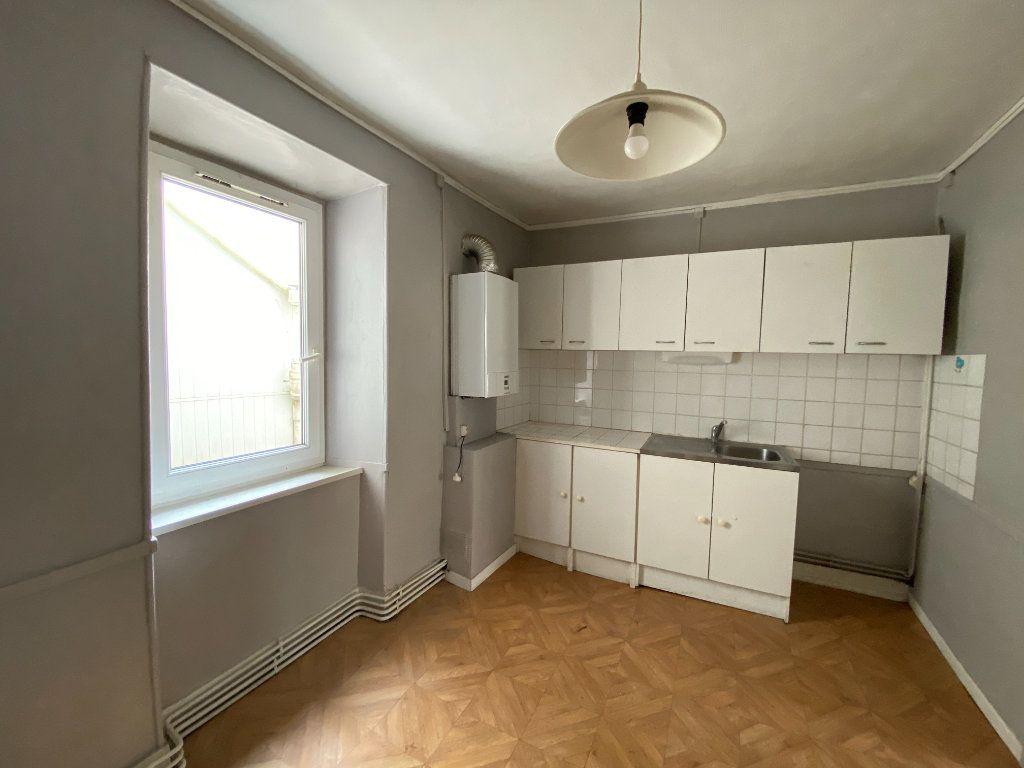 Appartement à louer 2 55.63m2 à Limoges vignette-2