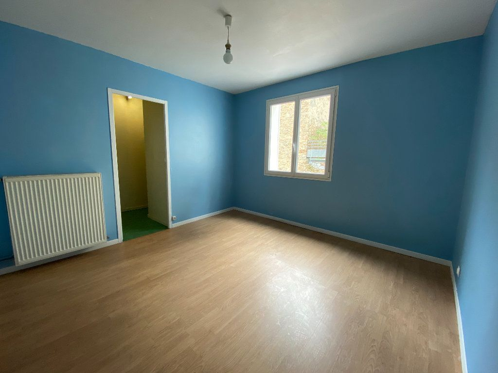 Appartement à louer 2 55.63m2 à Limoges vignette-4