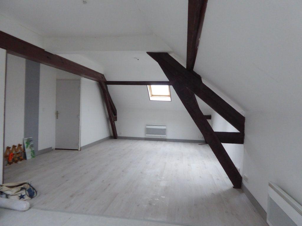 Appartement à louer 3 60m2 à Saint-Sulpice-Laurière vignette-2