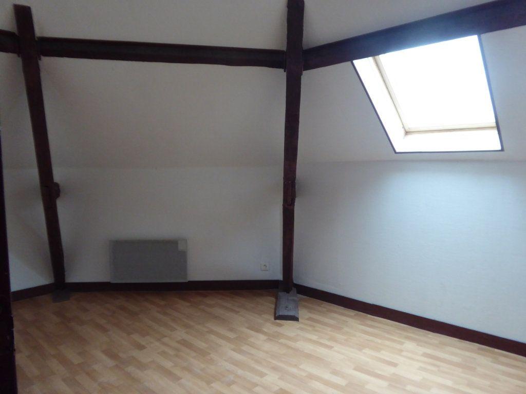 Appartement à louer 3 60m2 à Saint-Sulpice-Laurière vignette-3