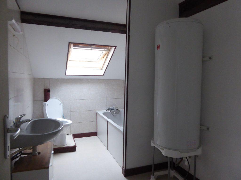 Appartement à louer 3 60m2 à Saint-Sulpice-Laurière vignette-4