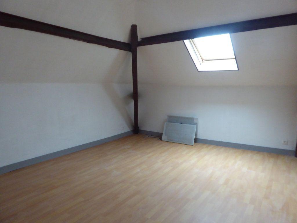 Appartement à louer 3 60m2 à Saint-Sulpice-Laurière vignette-5