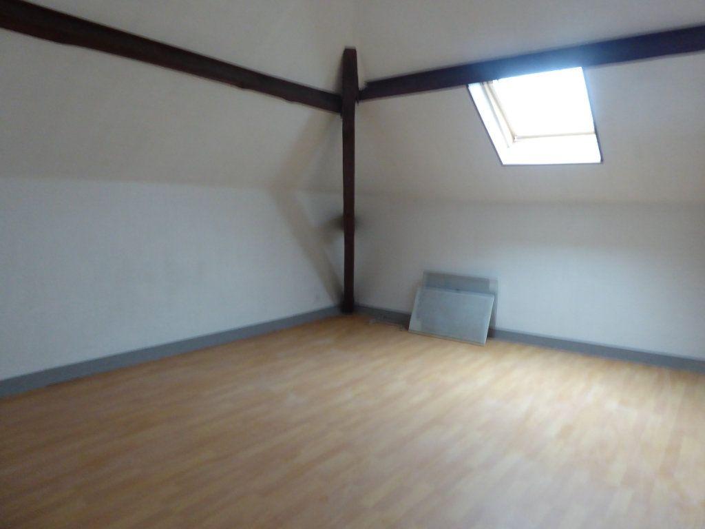 Appartement à louer 3 60m2 à Saint-Sulpice-Laurière vignette-6