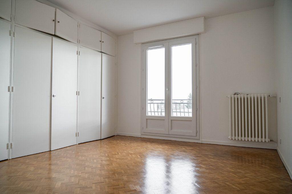 Appartement à louer 3 97.01m2 à Limoges vignette-6