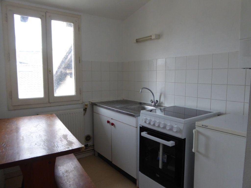 Appartement à louer 2 25m2 à Limoges vignette-1