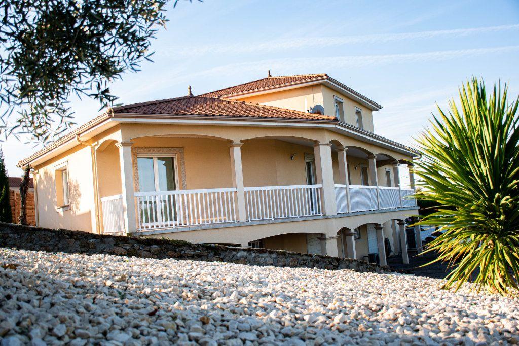 Maison à vendre 7 230m2 à Limoges vignette-2