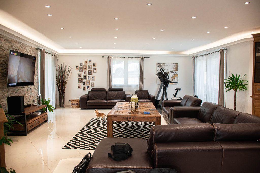 Maison à vendre 7 230m2 à Limoges vignette-3