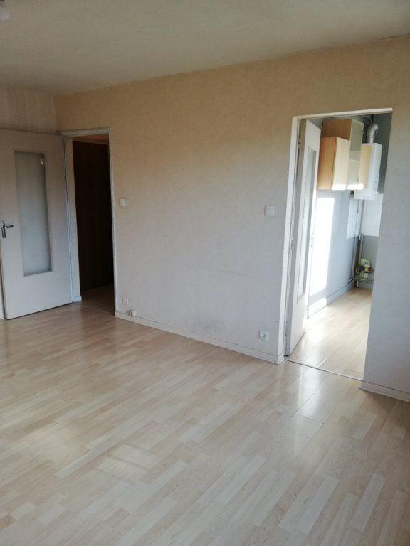 Appartement à louer 1 32m2 à Limoges vignette-3