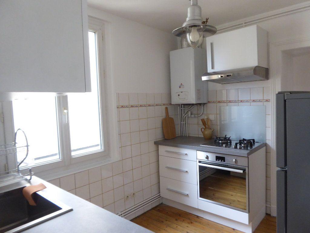 Appartement à louer 3 52.58m2 à Limoges vignette-1