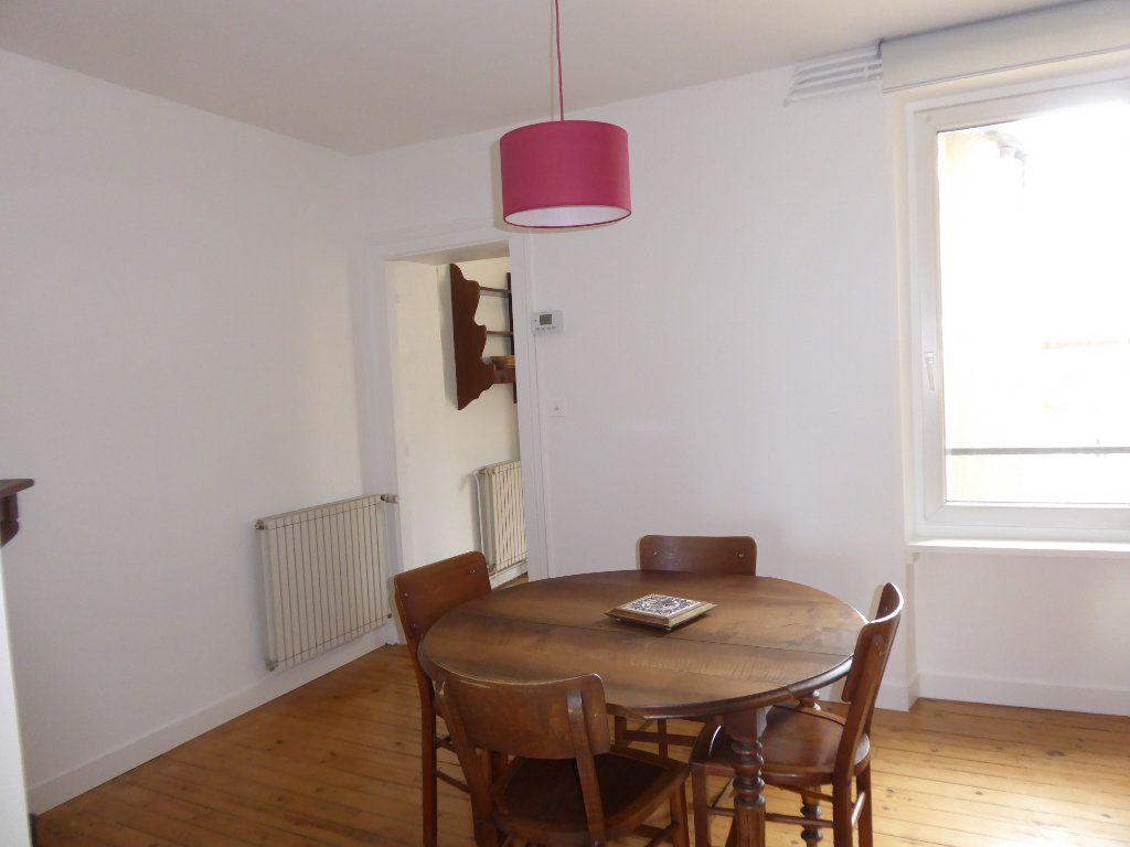 Appartement à louer 3 52.58m2 à Limoges vignette-5