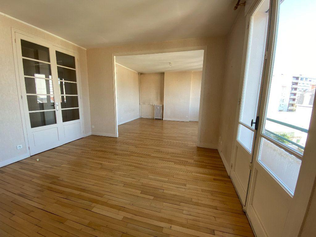 Appartement à louer 4 105m2 à Limoges vignette-1