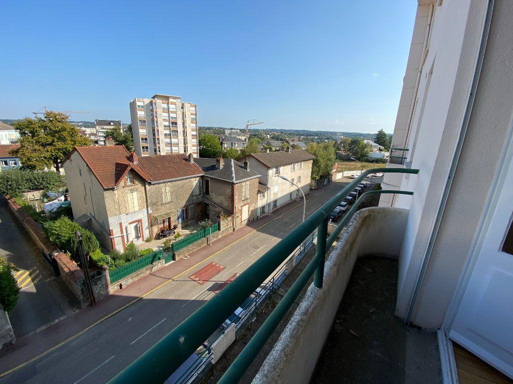 Appartement à louer 4 105m2 à Limoges vignette-2
