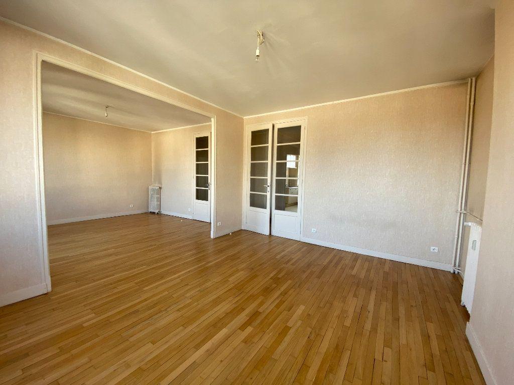 Appartement à louer 4 105m2 à Limoges vignette-3