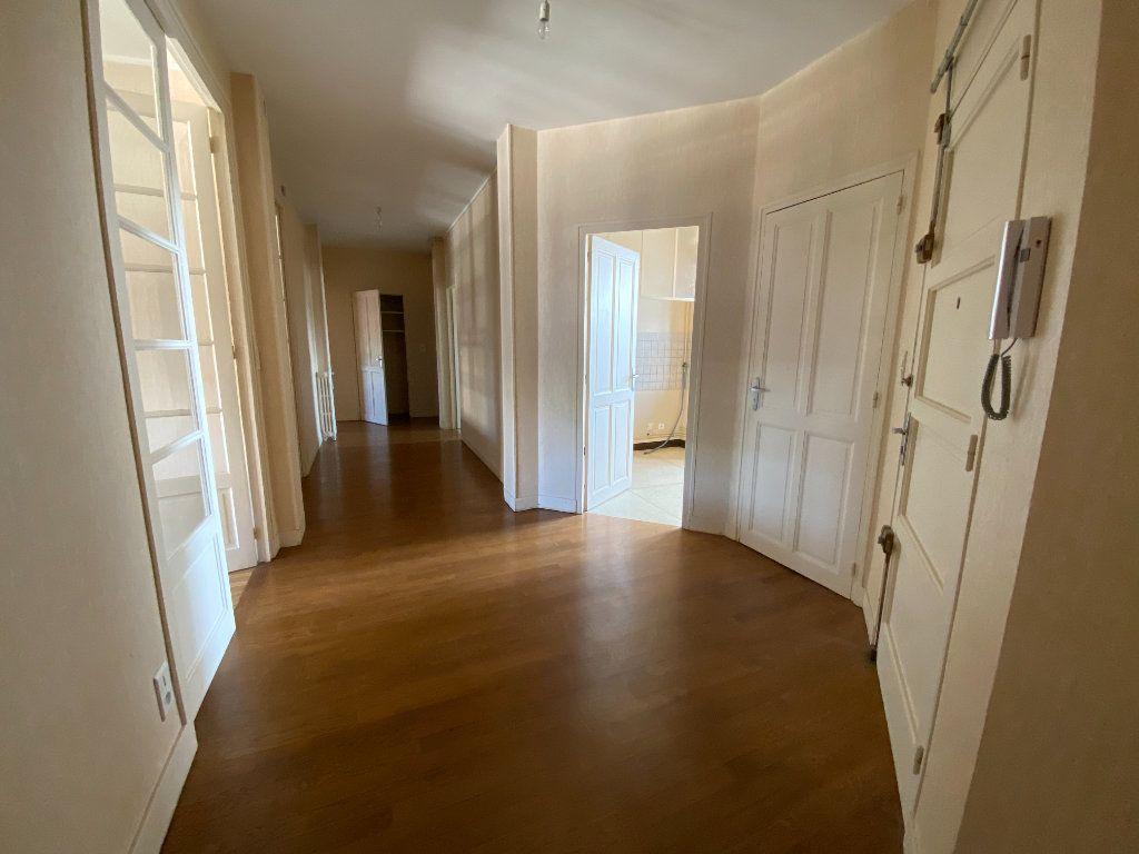 Appartement à louer 4 105m2 à Limoges vignette-4