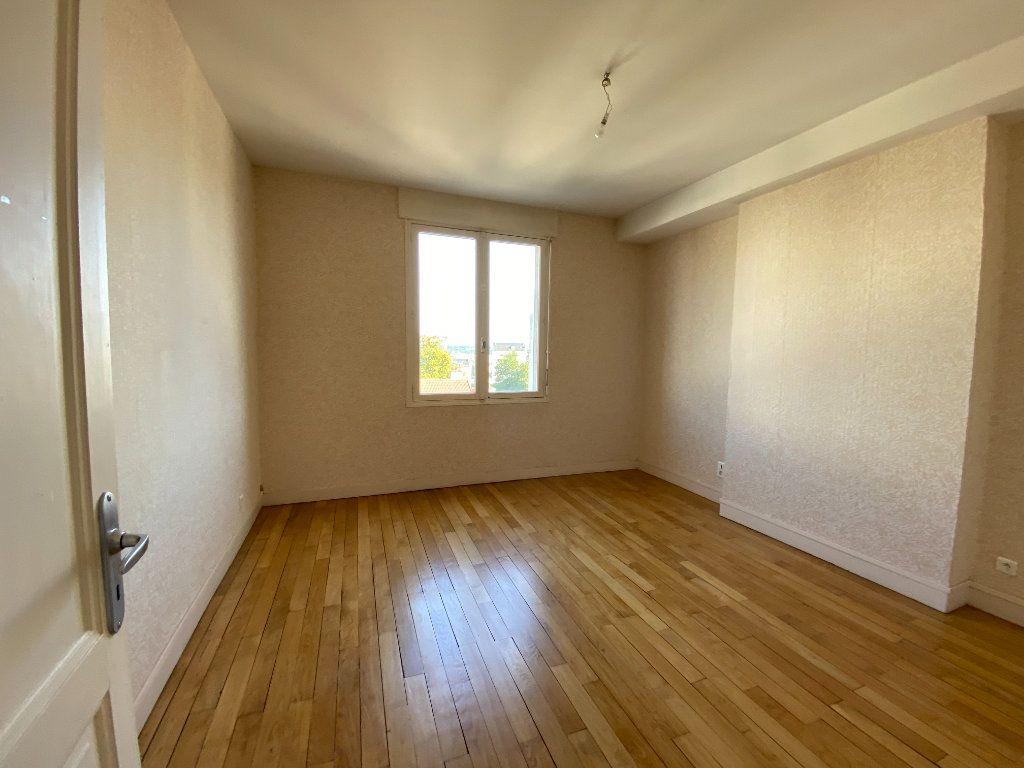 Appartement à louer 4 105m2 à Limoges vignette-6