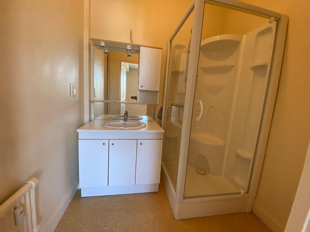 Appartement à louer 4 105m2 à Limoges vignette-8