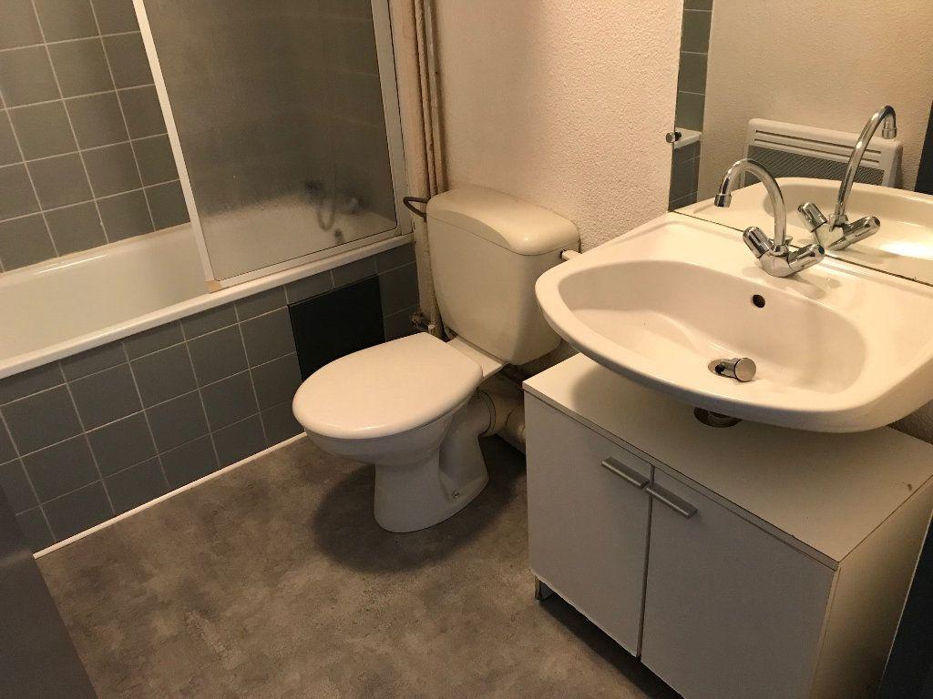 Appartement à louer 1 23.58m2 à Limoges vignette-6