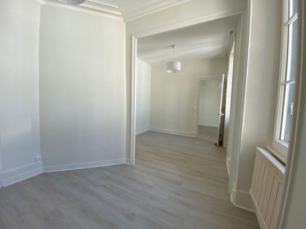 Appartement à louer 3 56.52m2 à Limoges vignette-2