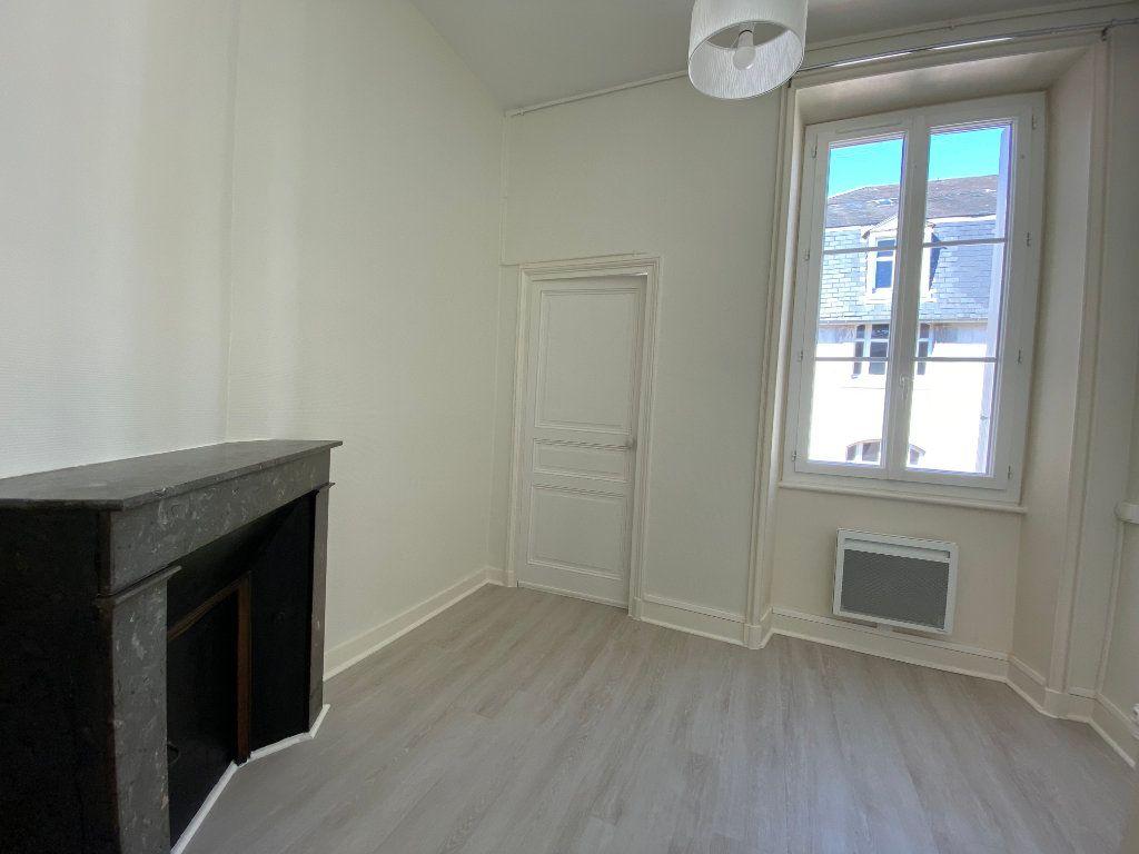 Appartement à louer 3 56.52m2 à Limoges vignette-4