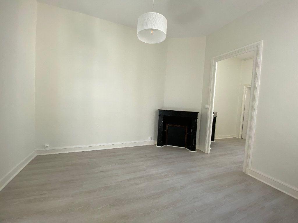 Appartement à louer 3 56.52m2 à Limoges vignette-5