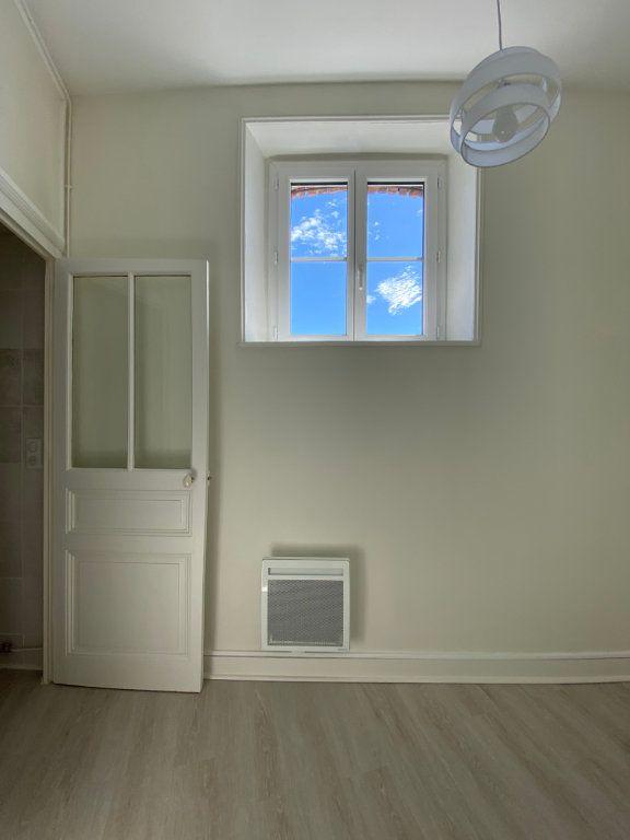 Appartement à louer 3 56.52m2 à Limoges vignette-6