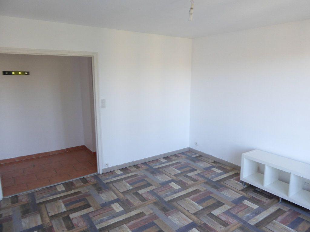 Appartement à louer 2 48.4m2 à Limoges vignette-3