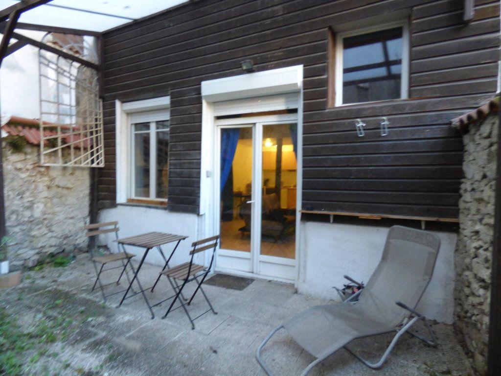 Appartement à louer 1 32.2m2 à Limoges vignette-1