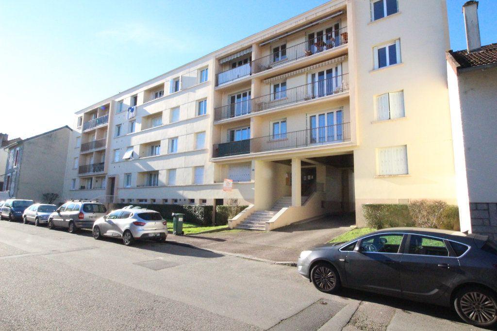 Appartement à vendre 5 93m2 à Limoges vignette-1