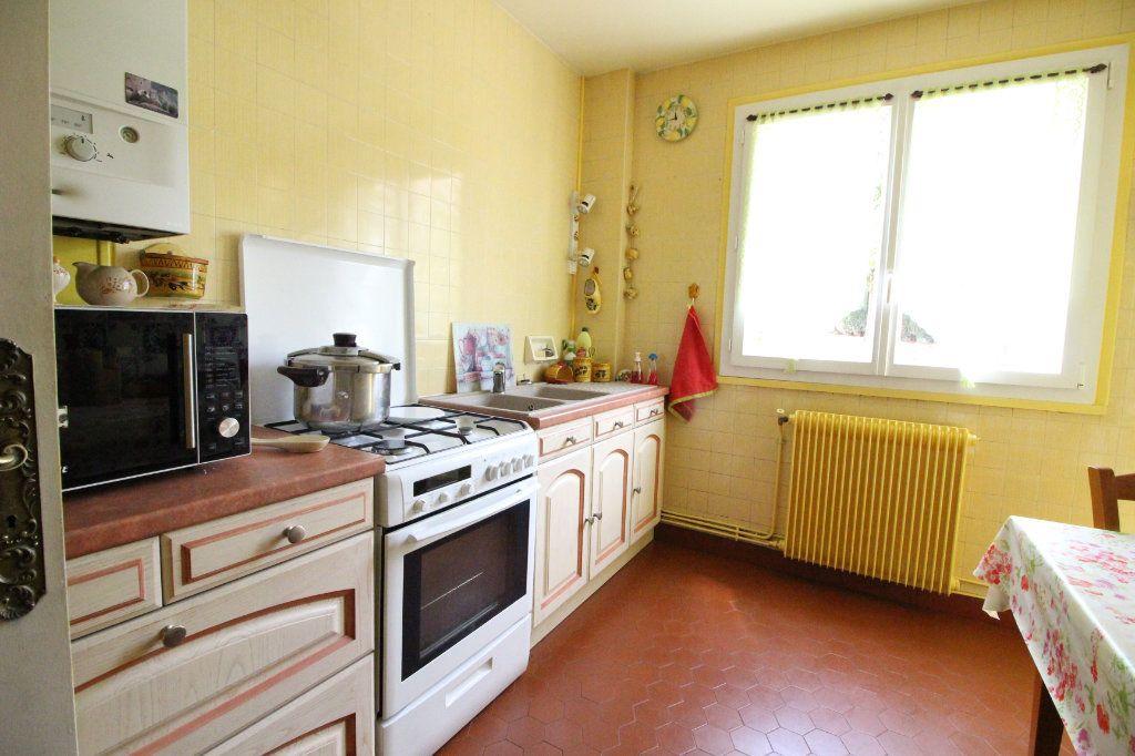 Appartement à vendre 5 93m2 à Limoges vignette-4