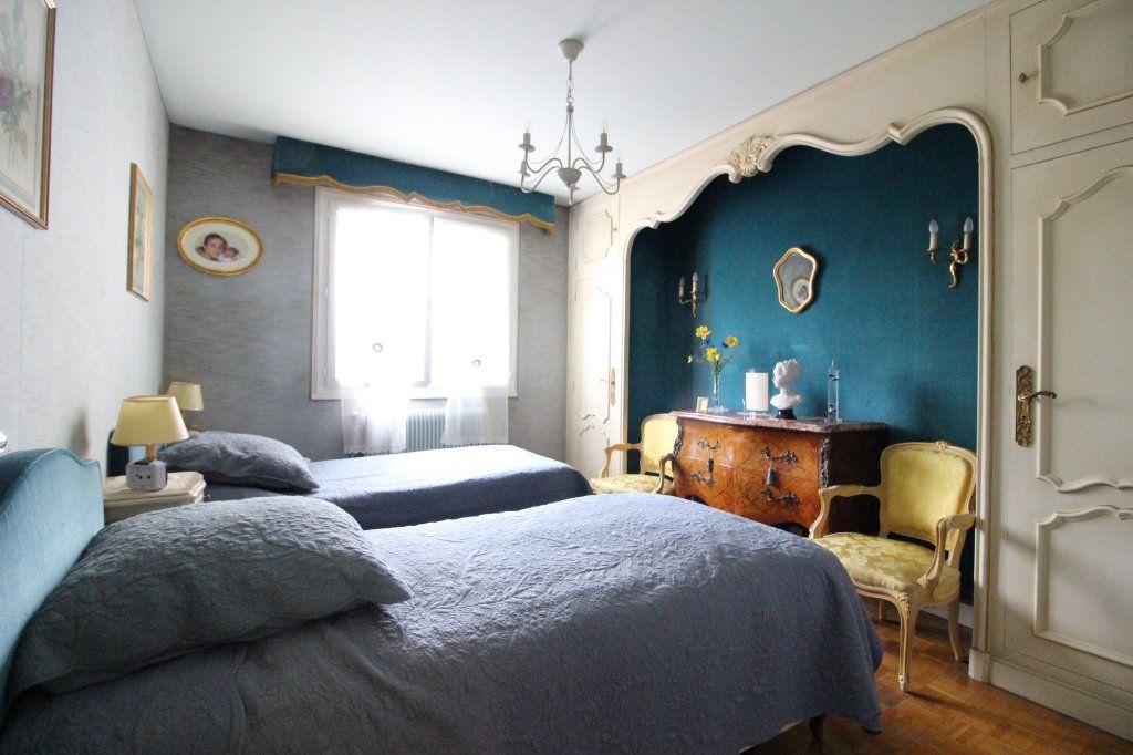 Appartement à vendre 5 93m2 à Limoges vignette-6