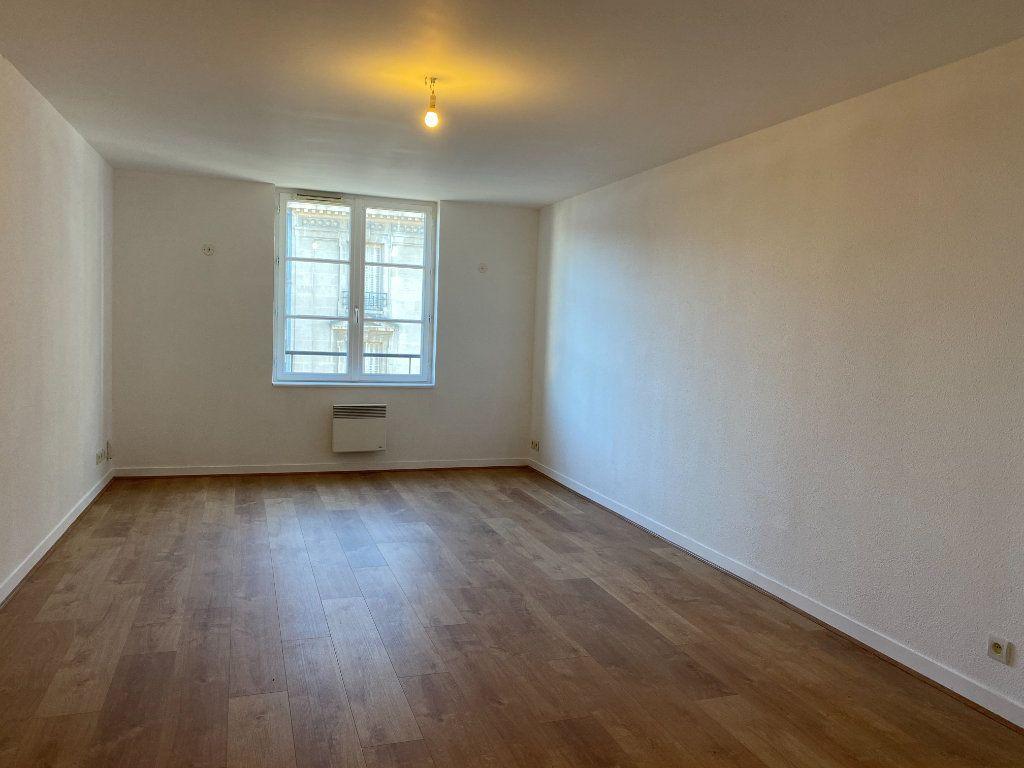 Appartement à louer 2 50m2 à Limoges vignette-3