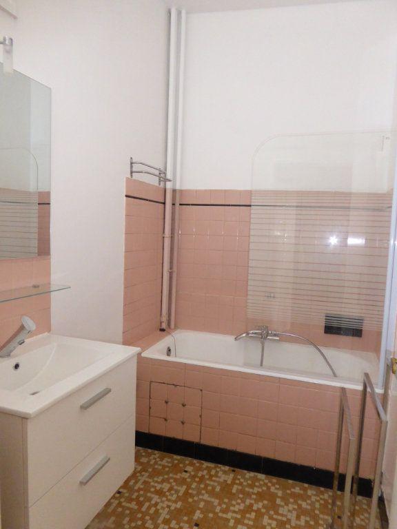 Appartement à louer 1 38m2 à Limoges vignette-2