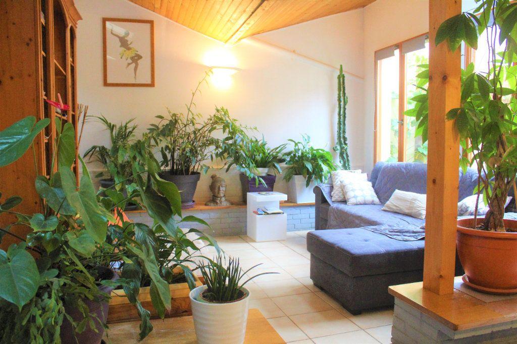 Maison à vendre 6 390m2 à Limoges vignette-1