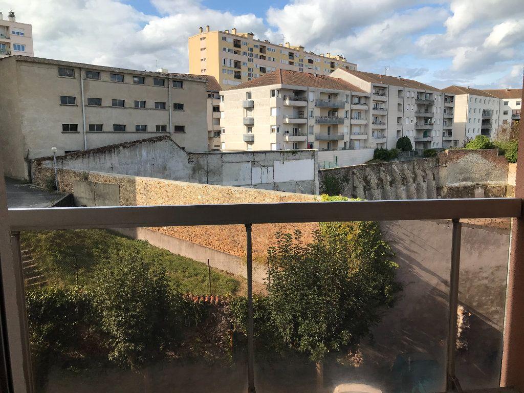Appartement à louer 1 26.36m2 à Limoges vignette-2
