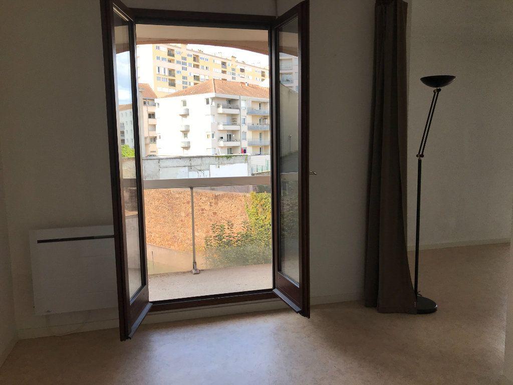 Appartement à louer 1 26.36m2 à Limoges vignette-3