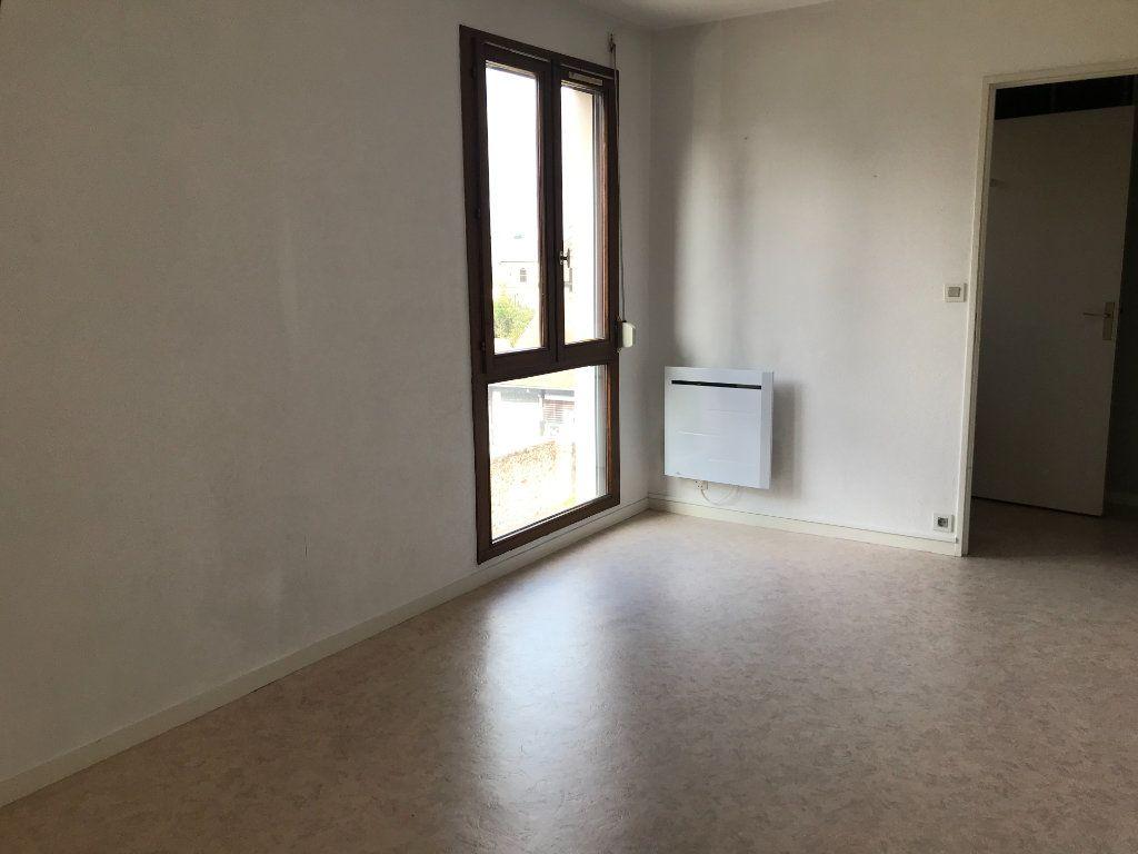 Appartement à louer 1 26.36m2 à Limoges vignette-9