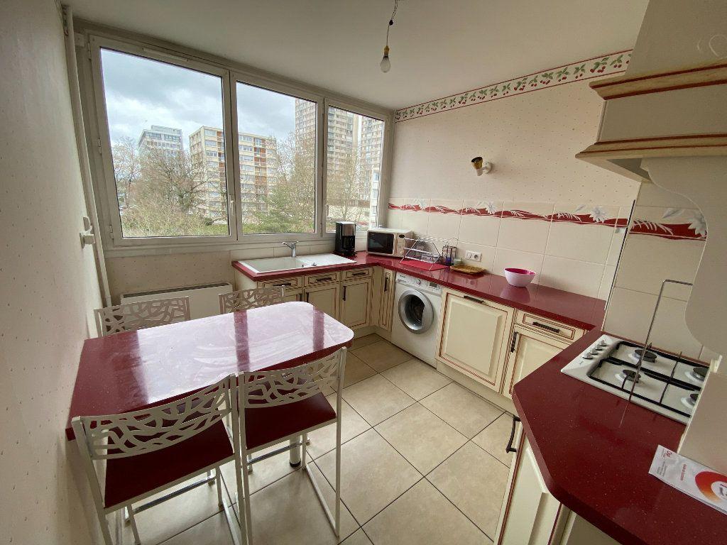 Appartement à louer 2 57.8m2 à Limoges vignette-2
