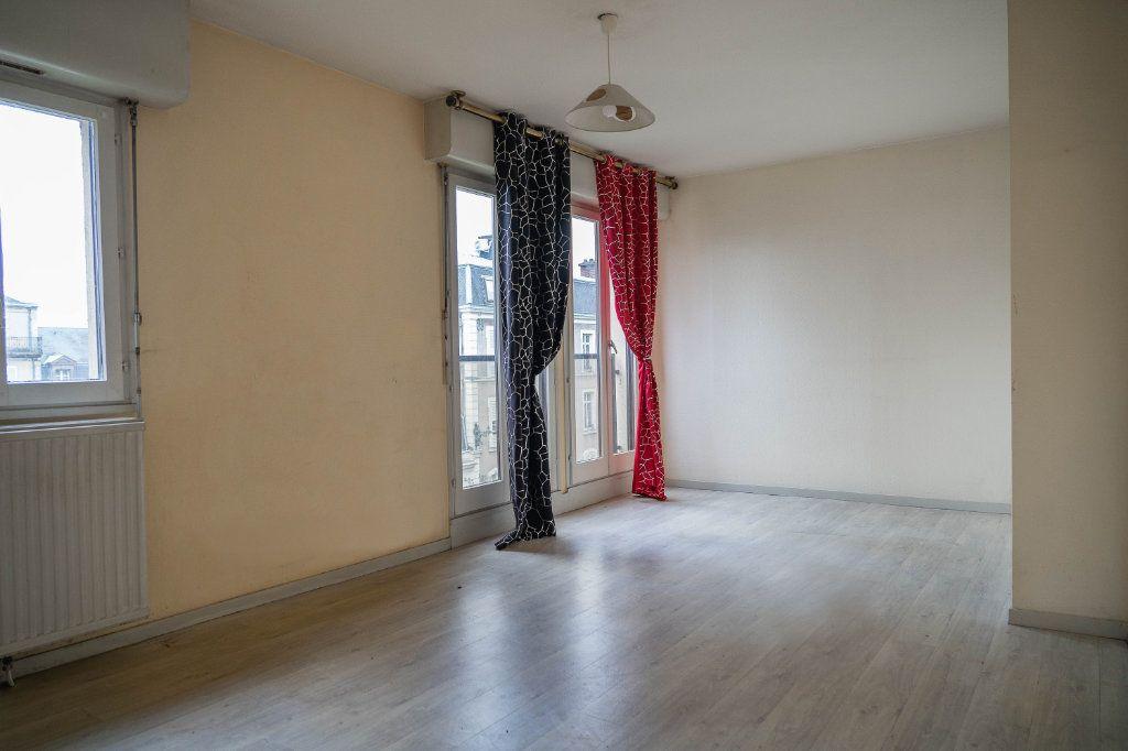 Appartement à louer 3 60m2 à Limoges vignette-3