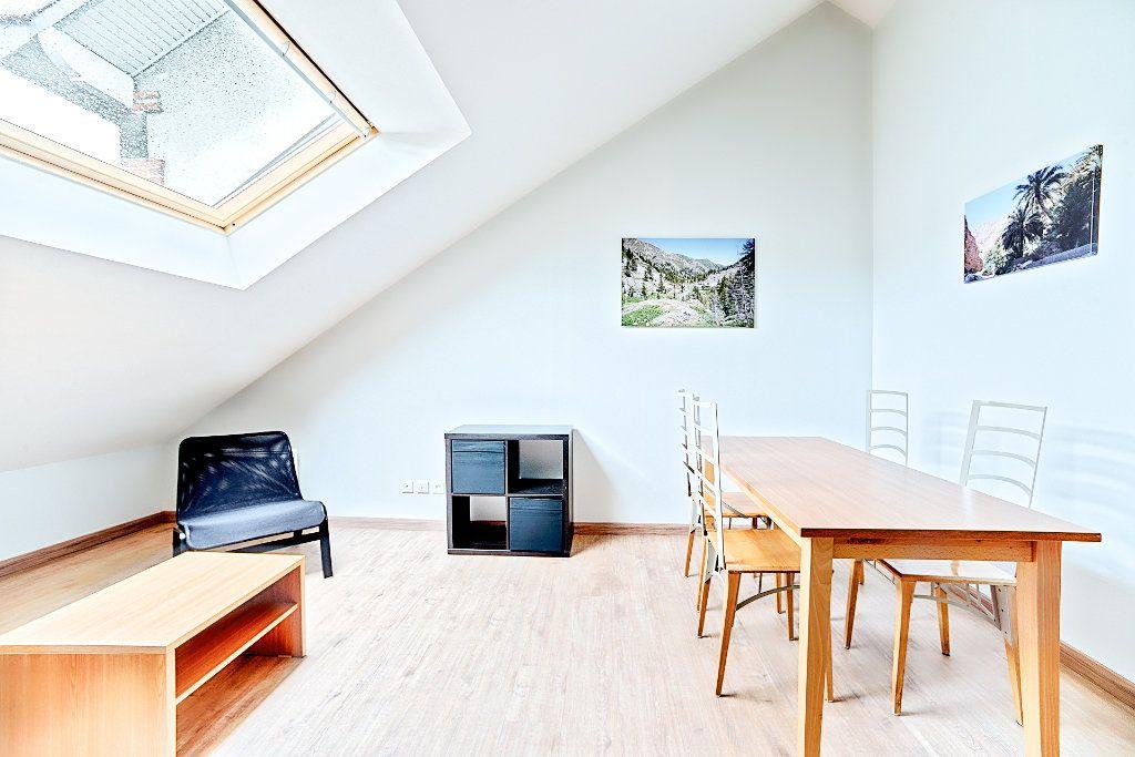 Appartement à louer 2 29m2 à Limoges vignette-2